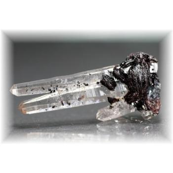 広東省産ヘマタイト&水晶ナチュラルポイント(HEMATITE-QUARTZNP106)