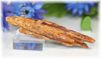 タンザニア産オレンジカイヤナイト原石(ORANGEKYANITE-109)