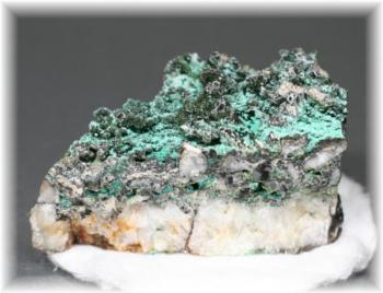 アメリカ・モンタナ産フィリップバーガイト原石(PHILLIPSBURGITE-103)