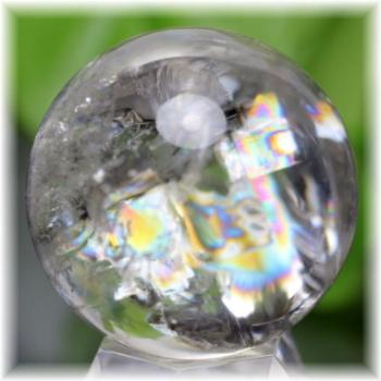 ブラジル産虹入り天然水晶丸玉(RAINBOWinQUARTZ-903IS)