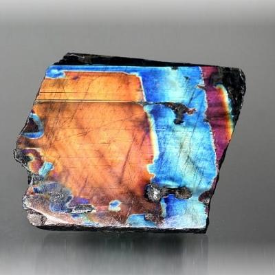 スペクトロライト<br>1面磨き結晶石